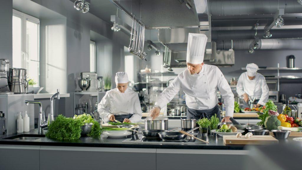 Köche in Großküche