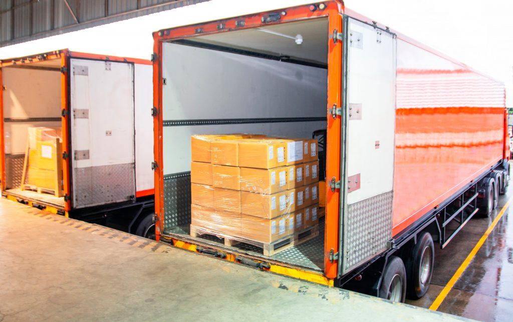 Warenbeladung LKW